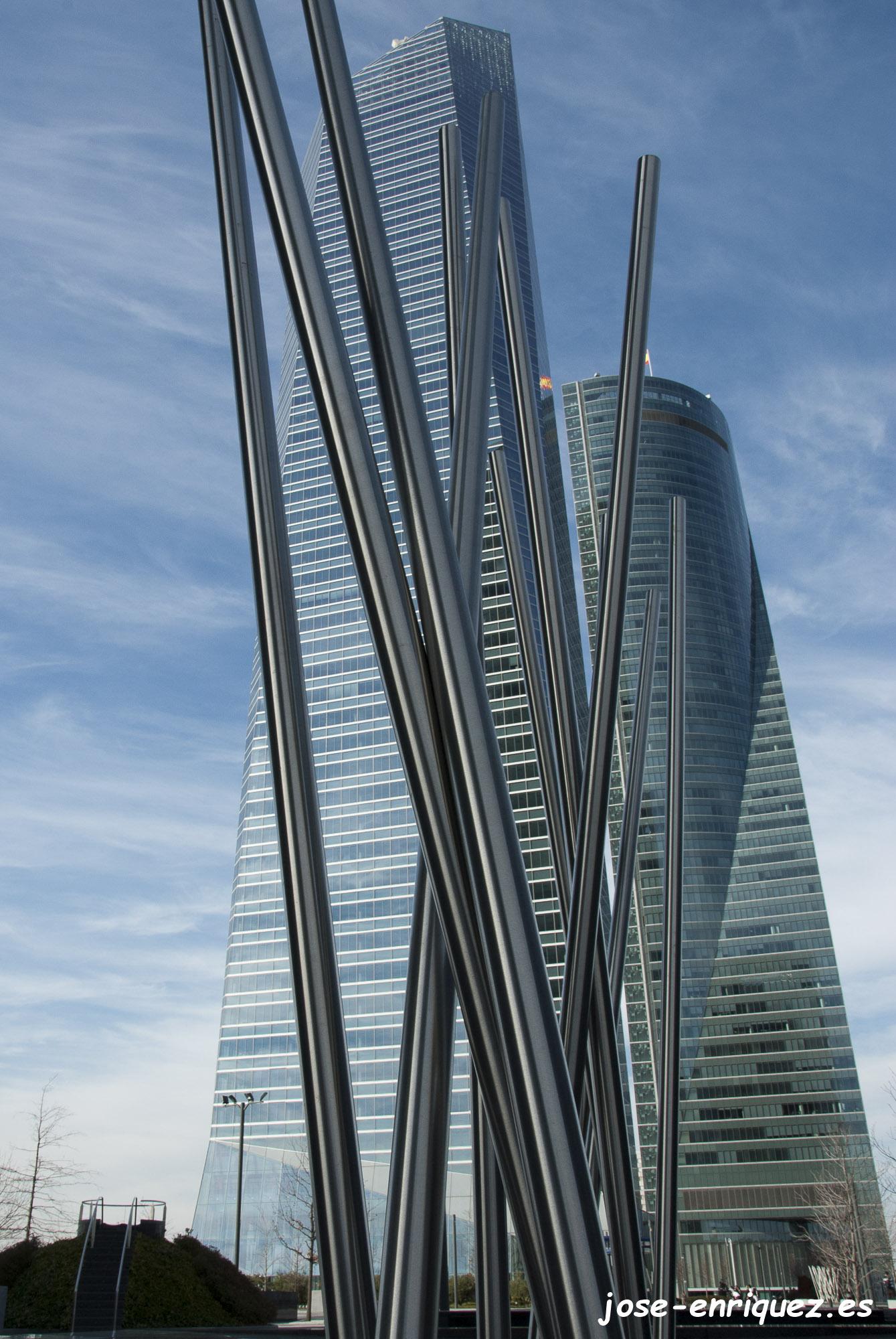 03-0016 07 Perspectiva. Cuatro Torres Business Area