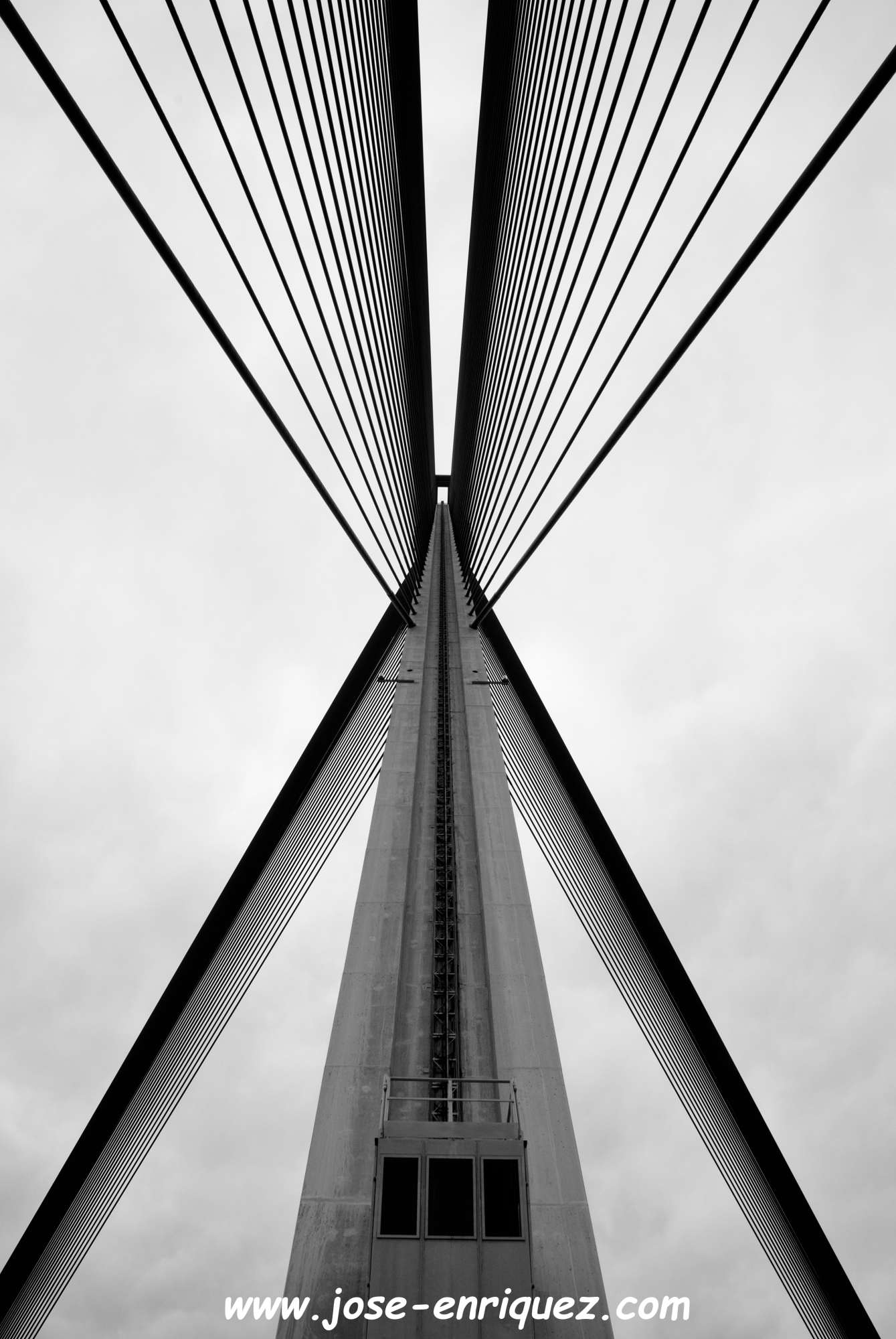 04-001 04 Geometría.  Puente atirantado de Talavera de la Reina.